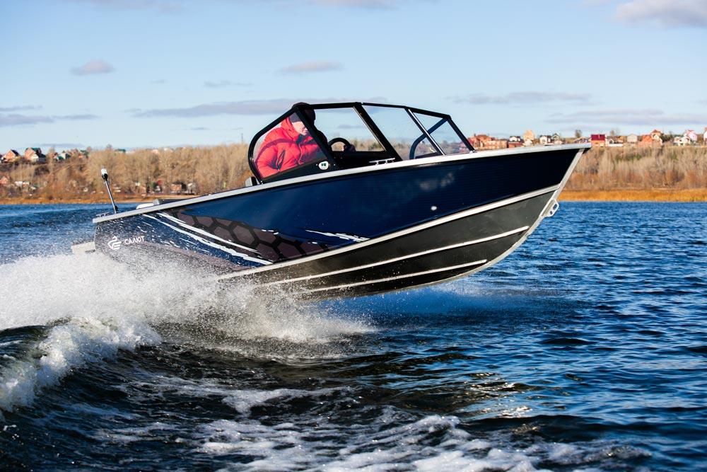 Моторная лодка Салют-480 NEO в варианте исполнения Fish<br>Калькулятор-конфигуратор.
